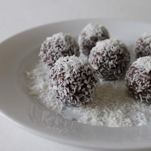 Coconut & Cacao Snowballs